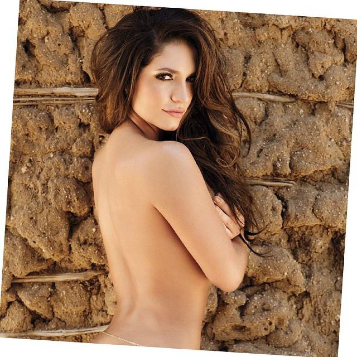 768f1cdc03a0 El imperdible y sensual baile de Kimberly Reyes que todos comentan ...