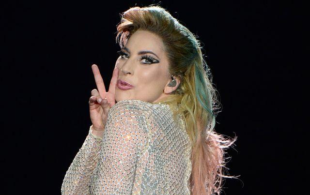 La cantante muestra la lucha que ha tenido en medio de sus quebrantos de salud y aborda lo que tiene que ver a la fibromialgia, mal que padece.