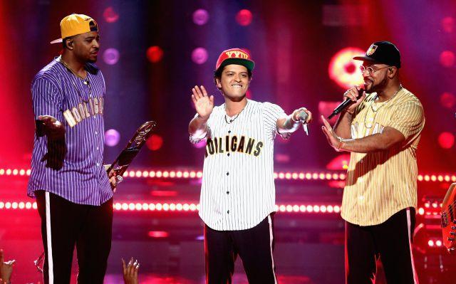 El cantante participó en el evento One Voice: Somos Live', que tuvo como fin recaudar fondos para los damnificados del huracán María en Puerto Rico.