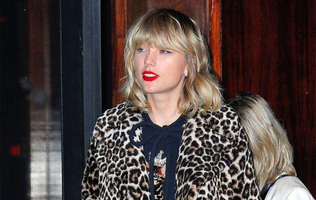 Los fans de la cantante aseguran que su último sencillo es un relato de cómo surgió su historia de amor con el actor Joe Alwyn.