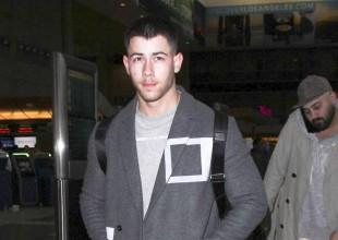 Así le paga Nick Jonas a su madre cuando esta le lava la ropa