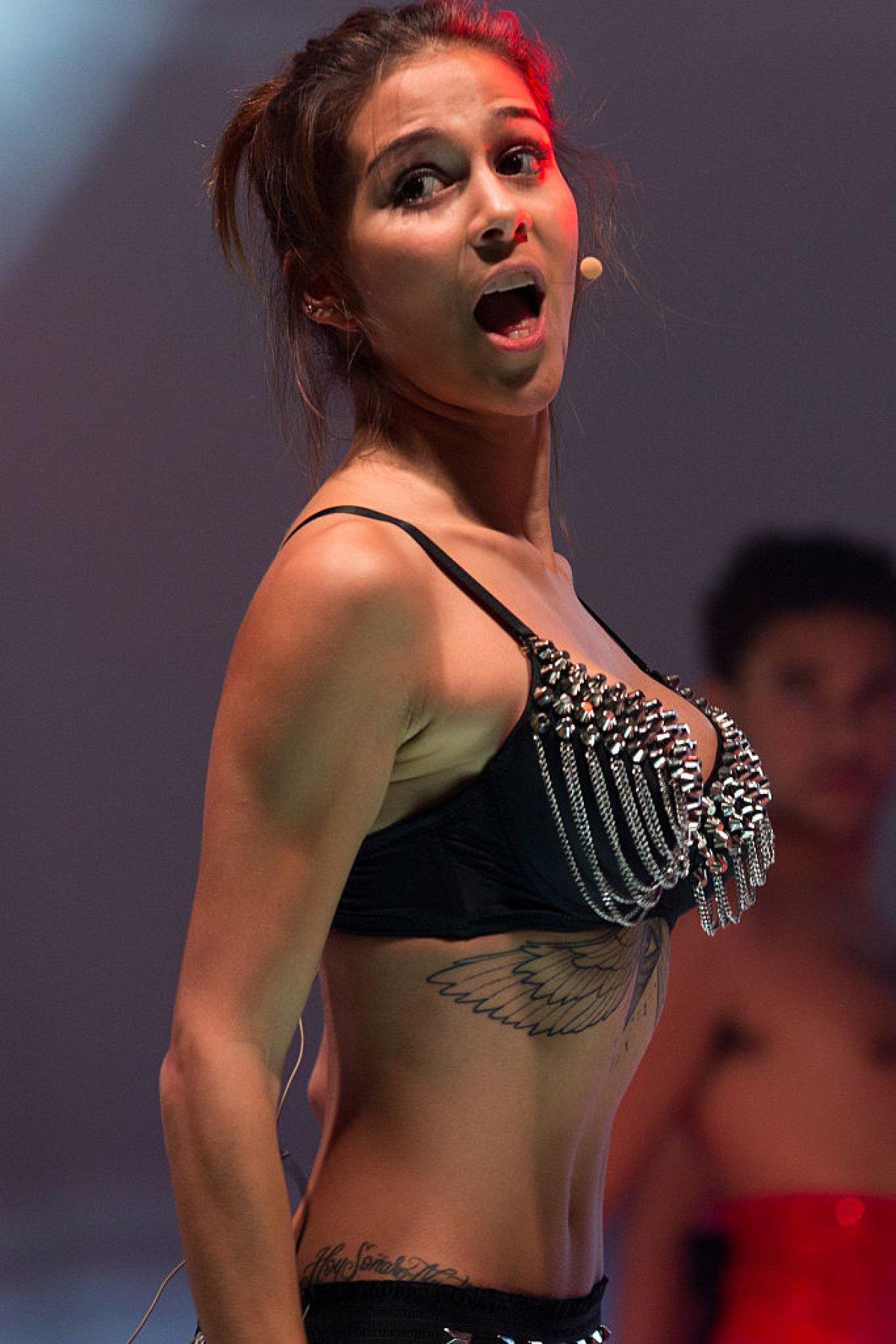 Con La Boca Abierta Nos Dejo Greeicy Rendon Bailando Danza Arabe Fotogaleria Radio Los40 Colombia