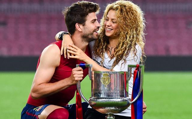 La cantante habría acabado llorando durante un almuerzo con su pareja y sus dos hijos en un restaurante de Barcelona, debido a la indiferencia del futbolista ante su disgusto.